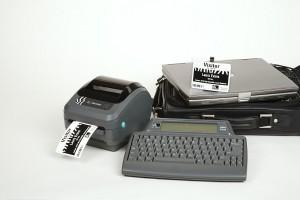 Calibrate nhãn bằng tay máy in mã vạch Zebra GK420d